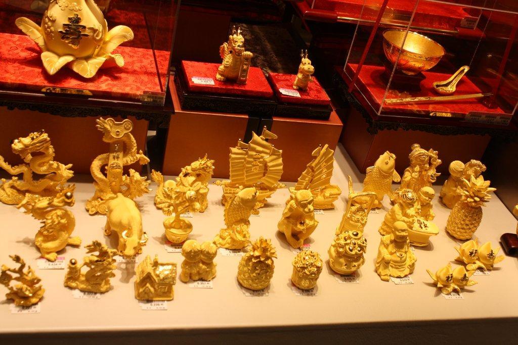 Objets en or dans les bijouteries de Hong Kong. (c) Thomas Podvin